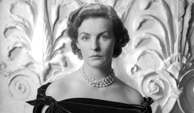 © The Cecil Beaton Studio Archive at Sothebys. The Duchess of Devonshire photographed by Cecil Beaton, Dec 1949 (i).tif