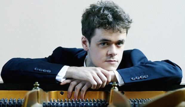 Benjamin Grosvenor plays and directs Mozart, Milton Court