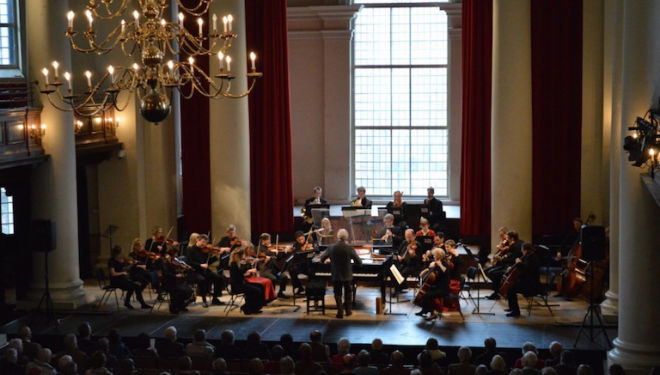 Howard Shelley conducts the London Mozart Players from the keyboard at St John's Smith Square