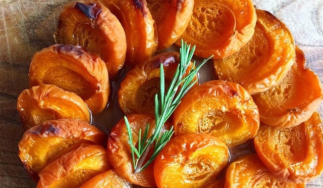 Go gluten free and tart up your table with this apricot recipe