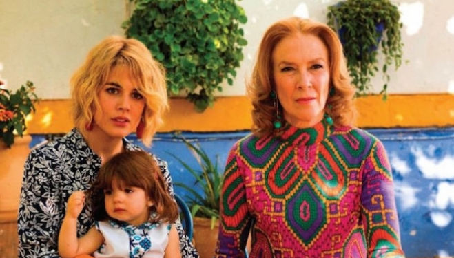 Adriana Ugarte and Susi Sánchez in Julieta