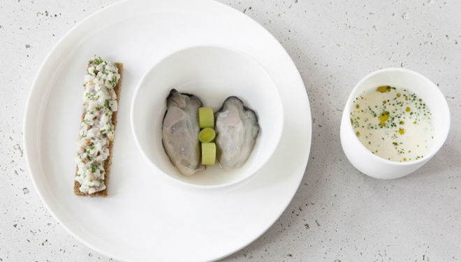 Chelsea Restaurant Elystan Street: Smoked mackerel veloute with Porthilly oysters, leek harts and smoked eel toast