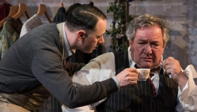 The Dresser review, Duke of York's Theatre