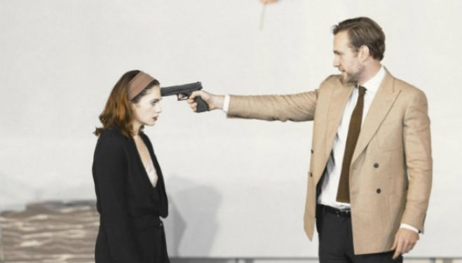 Ruth Wilson as Hedda and Rafe Spall as Brack; photo by Jan Versweyveld