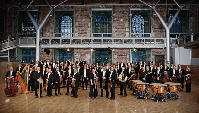 Mahler's gigantic last symphony is played by the London Symphony Orchestra