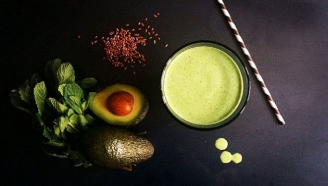 Healthy smoothie recipe: green and lean
