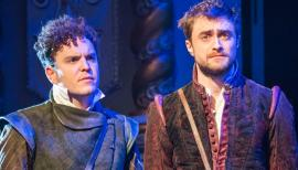 Joshua McGuire and Daniel Radcliffe, Rosencrantz and Guildenstern are Dead, Old Vic London 2017. Photo by Tristram Kenton