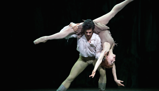 MacMillan's Manon, Federico Bonelli, Marianela Nuñez, photo ROH Alice Pennefather 2014