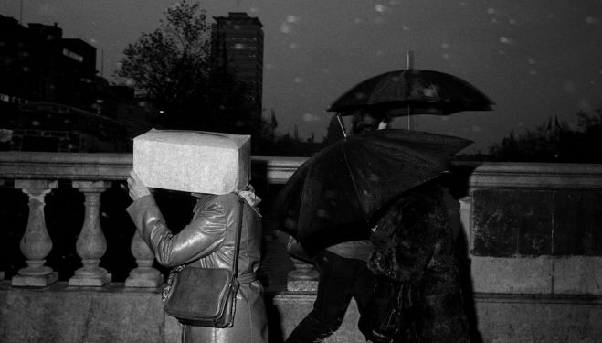 Martin Parr, O'Connell Bridge, Dublin, Ireland, 1981, c Martin Parr, Magnum Photos, Rocket Gallery