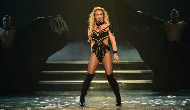 Britney Spears: Piece of Me, UK tour