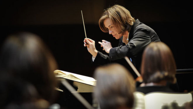 Laurence Equilbey conducts the innovative, Paris-based Insula Orchestra. Photo: Jana Jocif