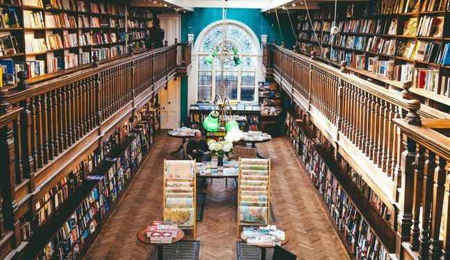 Book worms book now for Daunt Books Spring Festival