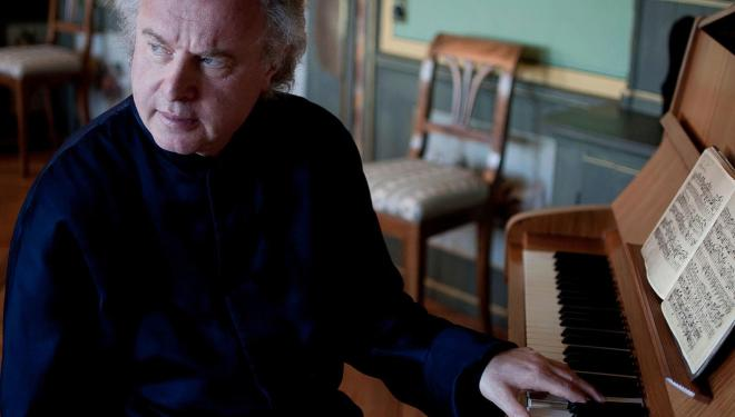 Andras Schiff plays Bach on 29 Aug