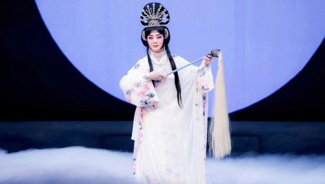 The majestic China National Peking Opera Company returns to London