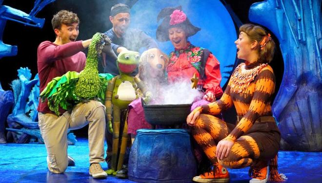 Tall Stories' Room on the Broom at the Lyric Theatre