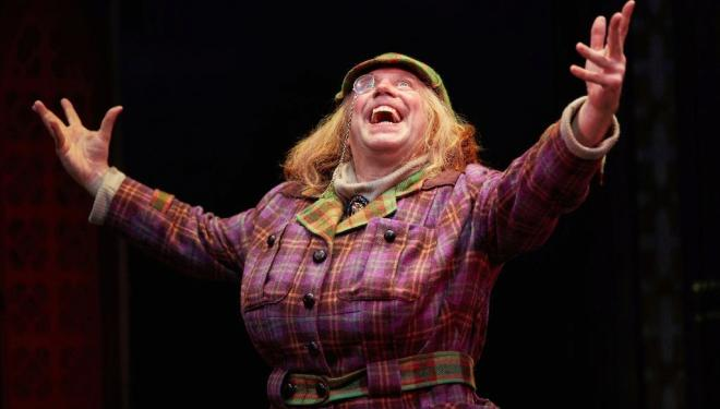 Awful Auntie, Bloomsbury Theatre