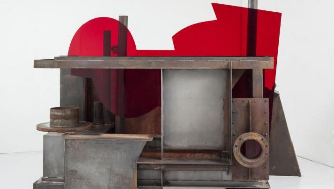 Anthony Caro End of Time (2013) steel and red perspex 210.8 x 393.7 x 142.2 cm, courtesy of Annely Juda Fine Art