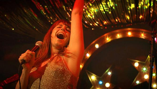 Rising star Jessie Buckley shines in Wld Rose
