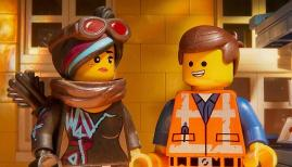 Elizabeth Banks and Chris Pratt in The Lego Movie 2