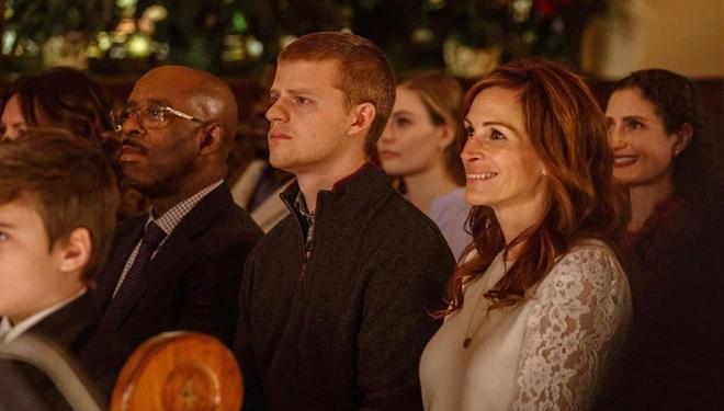 Courtney B. Vance, Lucas Hedges, and Julia Roberts in Ben is Back