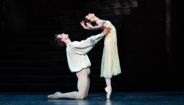 The Royal Ballet, Matthew Ball as Romeo, Lauren Cuthbertson as Juliet (c) ROH 2019 Helen Maybanks