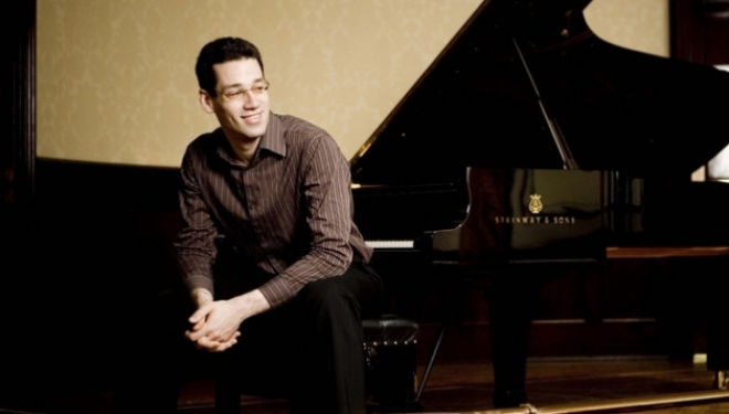 Jonathan Biss performs Beethoven, Schumann, Schönberg and Berg