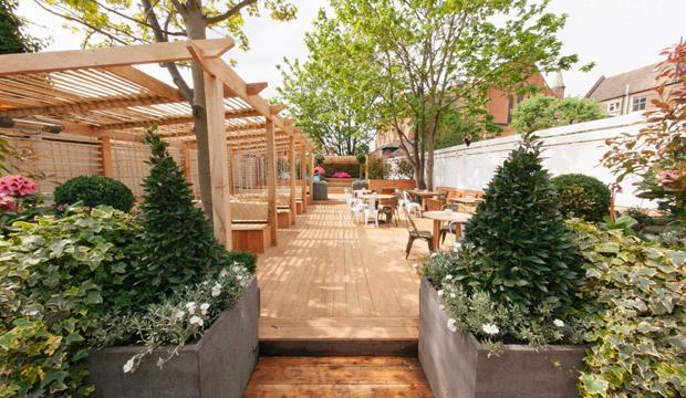 Kid-friendly restaurants with good food and outdoor spaces like The Avalon do exist