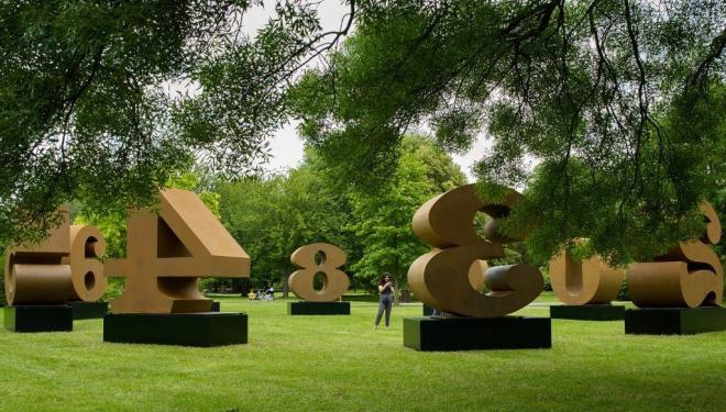Robert Indiana, ONE through ZERO, 1980-2002, Waddington Custot , Frieze Sculpture 2019  Photo by Stephen White. Courtesy of Stephen White/Frieze.