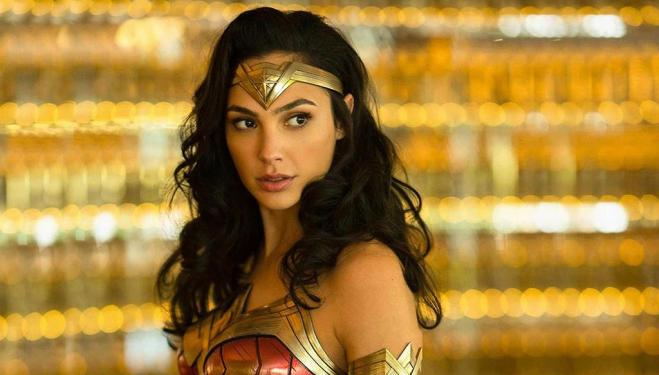 The official trailer for Wonder Woman's golden return is here