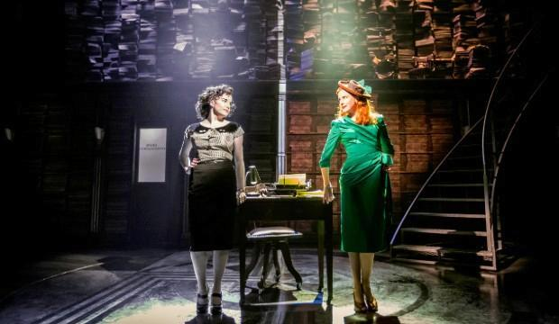 L-R, Rebecca Trehearn (Donna, Oolie) and Rosalie Craig (Gabby, Bobbi) in the original Donmar Warehouse Production of City of Angels. Photo - Johan Persson