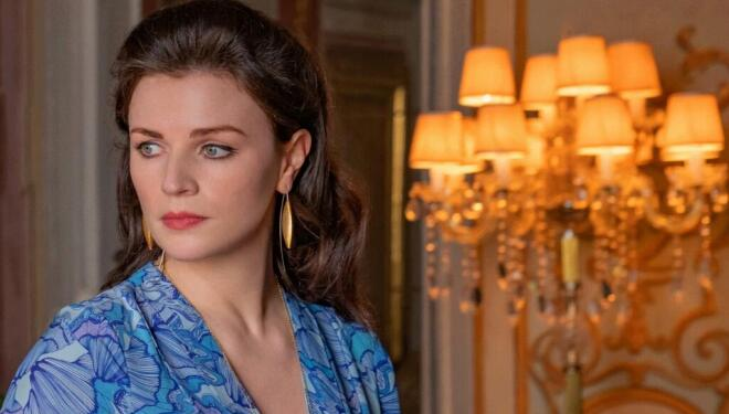 Aisling Bea in Love Wedding Repeat, Netflix