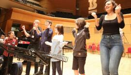 Nicola Benedetti (right) and budding musicians enjoy their daily lesson online