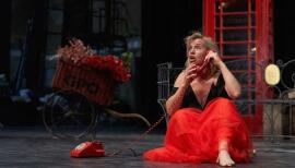Claire Booth sings her phone call in La Voix Humaine at Grange Park Opera. Photo: Richard Lewisohn