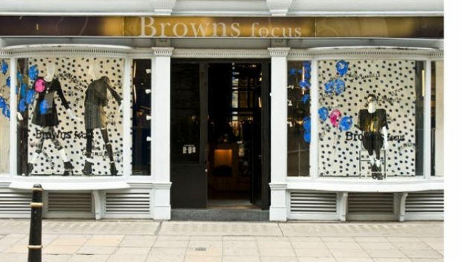 Browns Sample Sale, The Music Room