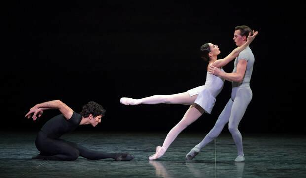 Tamara Rojo, Joseph Caley and Fernando Carratalá Coloma in Song of the Earth © Laurent Liotardo