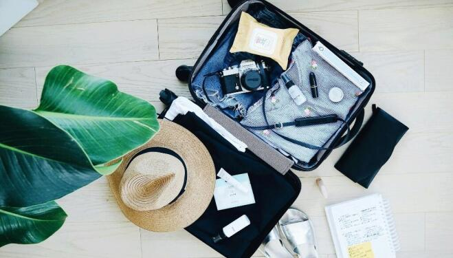 How a stylist packs for holidays