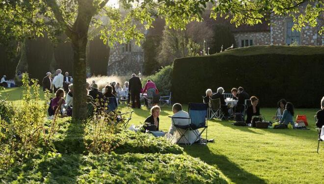 The long dinner interval is all part of the Glyndebourne tradition. Photo:Leigh Simpson