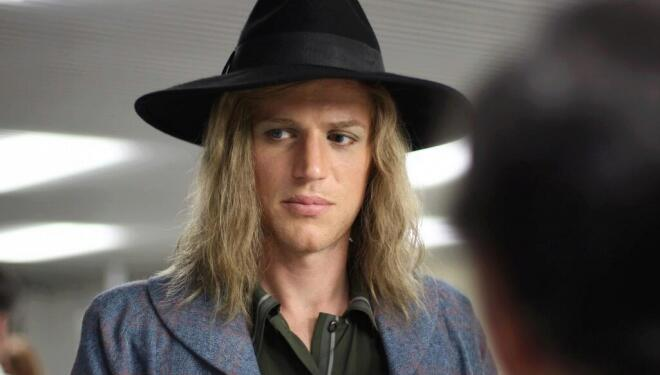 Johnny Flynn plays David Bowie in vacuous biopic