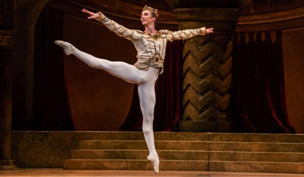 The Royal Ballet, Raymonda Act III Online