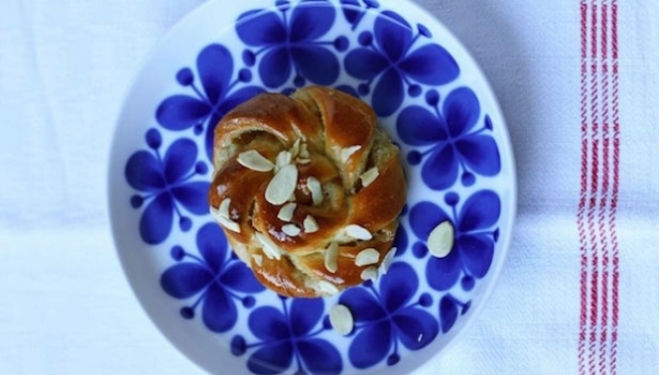 Vanilla and Cardamom Knot recipe: the SkandiKitchen