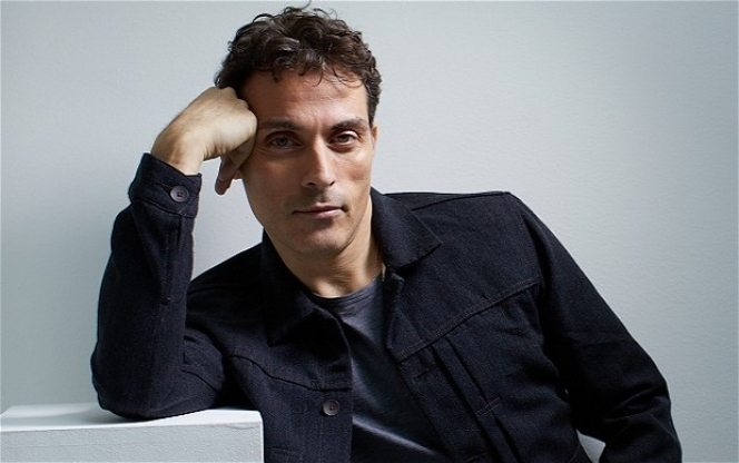 Rufus Sewell: Art - Old Vic revival