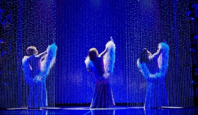 Ibinabo Jack, Liisi LaFontaine and Amber Riley in Dreamgirls, Savoy Theatre. © Brinkhoff & Mogenburg