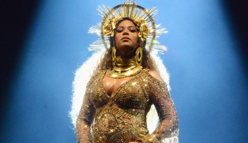 Beyonce Grammys 2017 Performance