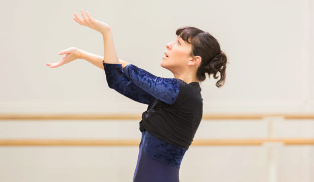 Laura Morera in rehearsal (c) ROH 2014 Johan Persson