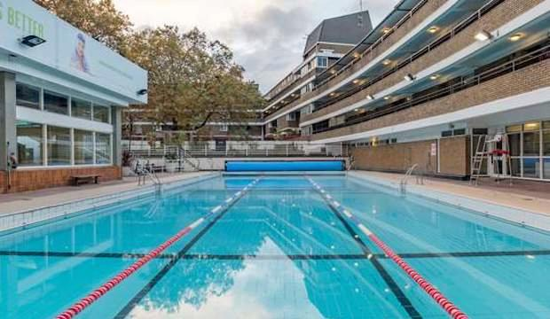 ​The one with the heated lido: Oasis Sports Centre