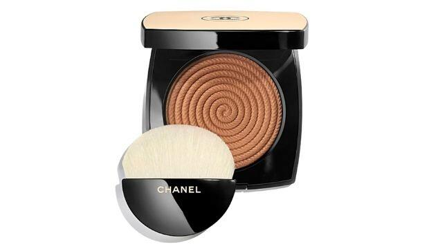 WINTER BRONZE | ​Chanel Les Beiges Exclusive Creation Healthy Glow Highlighting Powder, £47