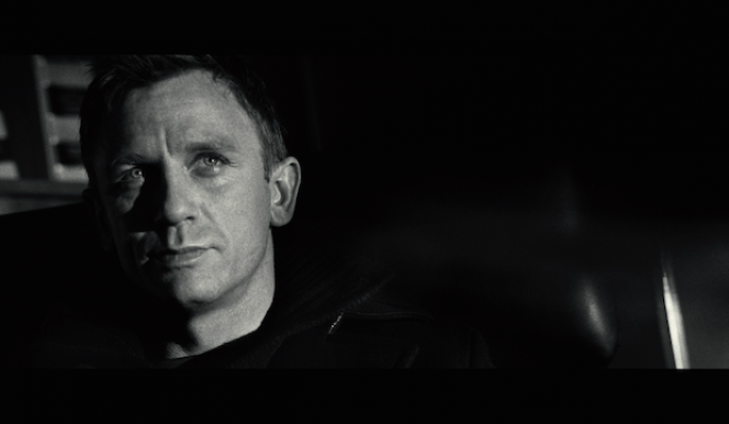 Daniel Craig returns to the screen as James Bond in 'Spectre'