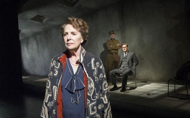 Taken at Midnight, Penelope Wilton: photo by Alistair Muir