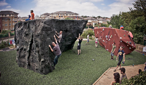 Outdoor activities for kids in London: castle climbing