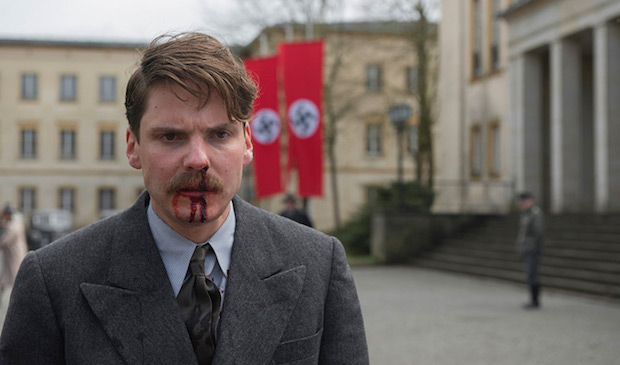 Daniel Brühl as Escherich in Alone in Berlin